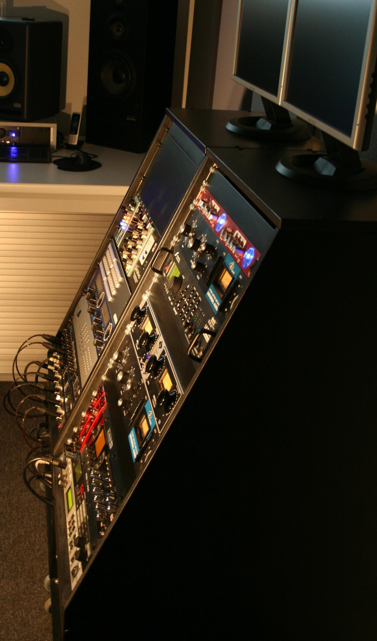 Soundfabrik Rack / Hardware - soundfabrik.ch